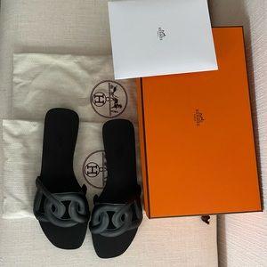Hermes Aloha Sandals